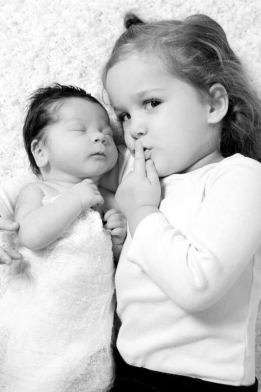 """""""Giữ im lặng cho bé ngủ nhé!""""."""