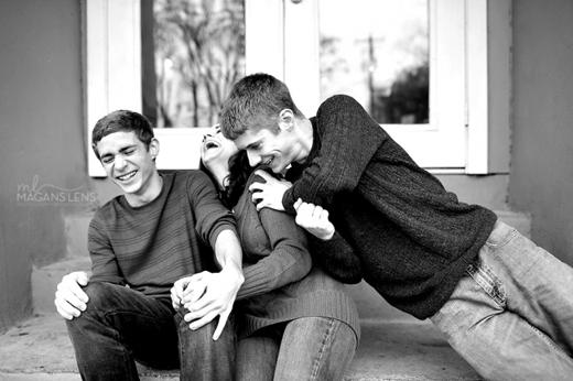 """""""Vì chúng ta là một nhà, hãy luôn yêu thương nhau nhé!""""."""