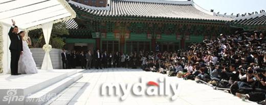Đám cưới của tứ đại thiên vương xứ Hàn: người lặng lẽ, kẻ rình rang
