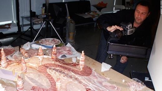Cận cảnh quá trình chụp ảnh đầy thú vị của Carl Warner.