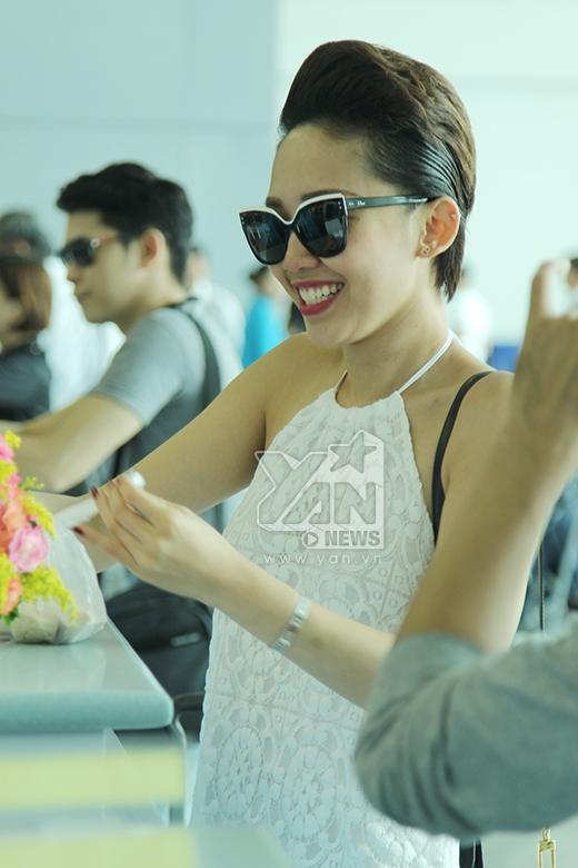 Nụ cười tươi tắn và rạng rỡ của Tóc Tiên - Tin sao Viet - Tin tuc sao Viet - Scandal sao Viet - Tin tuc cua Sao - Tin cua Sao