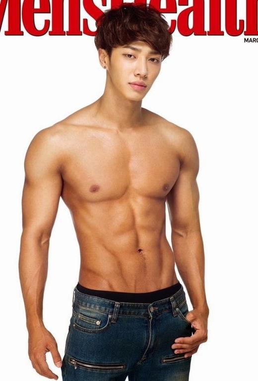 Ngất ngây với cơ bụng 6 múi quyến rũ của mĩ nam Kpop