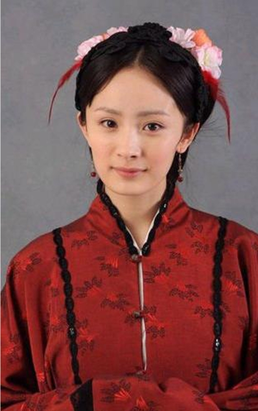 Thời gian trước Dương Mịch thường xuyên đóng phim cổ trang. Đa phần các vai diễn của cô đều được đánh giá cao ngoại trừ vai Tình Văn trong Tân Hồng Lâu Mộng.
