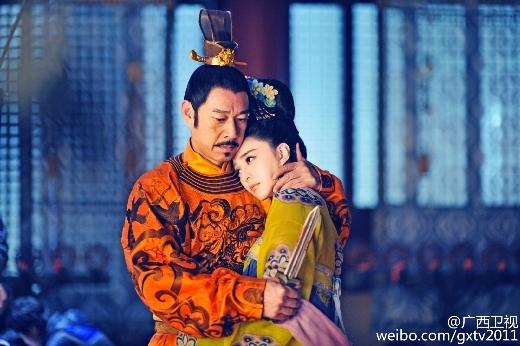 Nam diễn viên Trương Phong Nghị là bạn học của Trương Thiết Lâm.