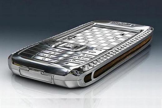"""Sửng sốt với giá của những chiếc điện thoại """"sang chảnh"""" nhất thế giới"""