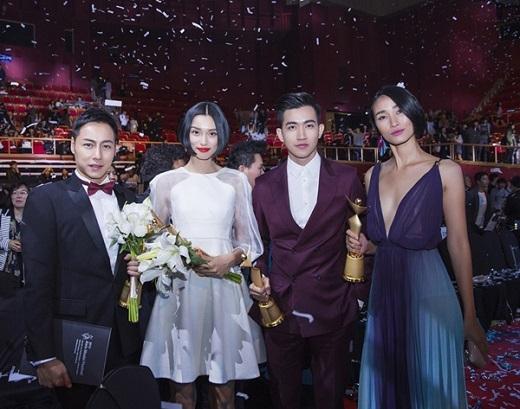Võ Cảnh đồng hành cùng Trang Khiếu nhận giải thưởng Ngôi sao người mẫu châu Á 2015 tại Hàn Quốc