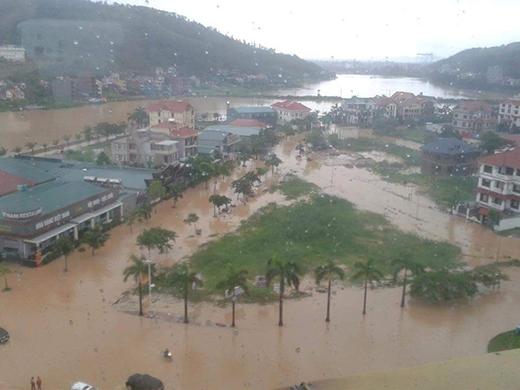 Số người chết trong trận mưa lũ kinh hoàng vẫn tiếp tục tăng tại Quảng Ninh