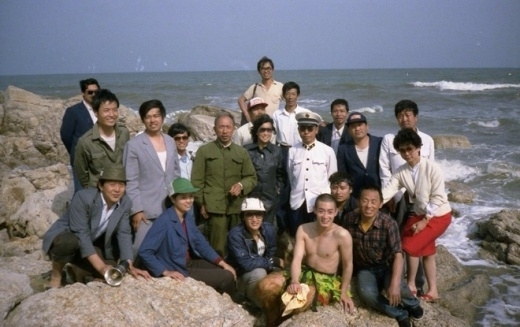 Đoàn làm phim thường chụp ảnh giao lưu cùng nhau.