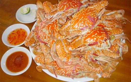 Muốn ăn hải sản tươi ngon nhất thì ghé đường Trần Phú nhé.