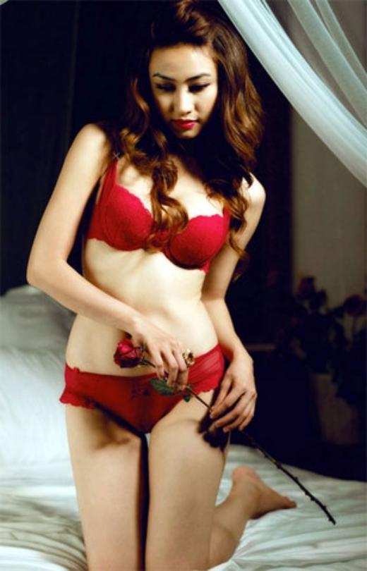 Với số đo 82-58-88, Ngân Khánh luôn nằm trong danh sách những người đẹp bikini của showbiz Việt. - Tin sao Viet - Tin tuc sao Viet - Scandal sao Viet - Tin tuc cua Sao - Tin cua Sao