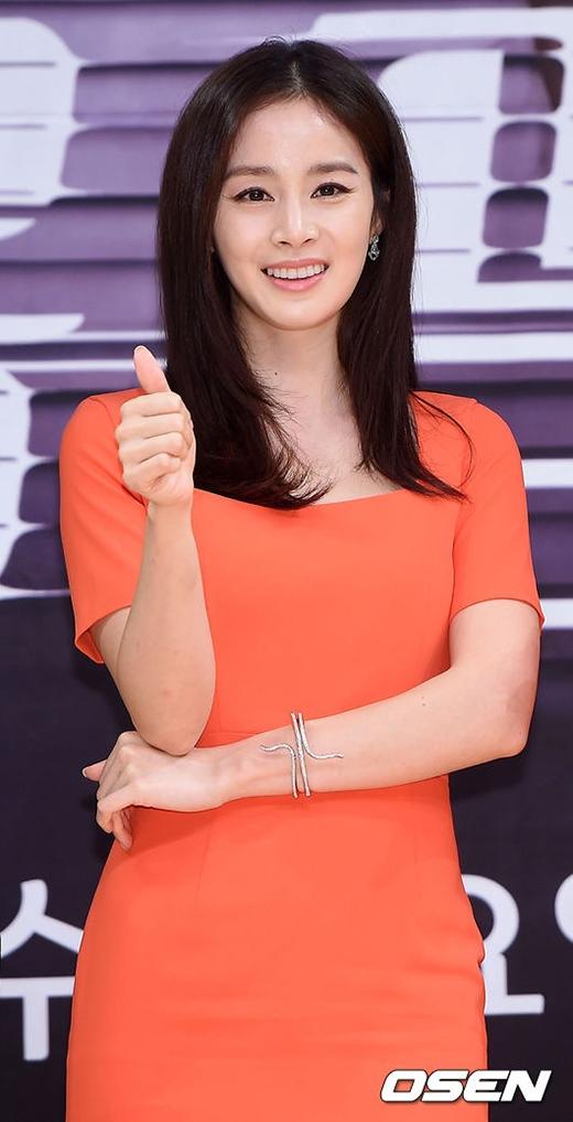 Kim Tae Hee trải lòng khi bị gắn mác bình hoa di động