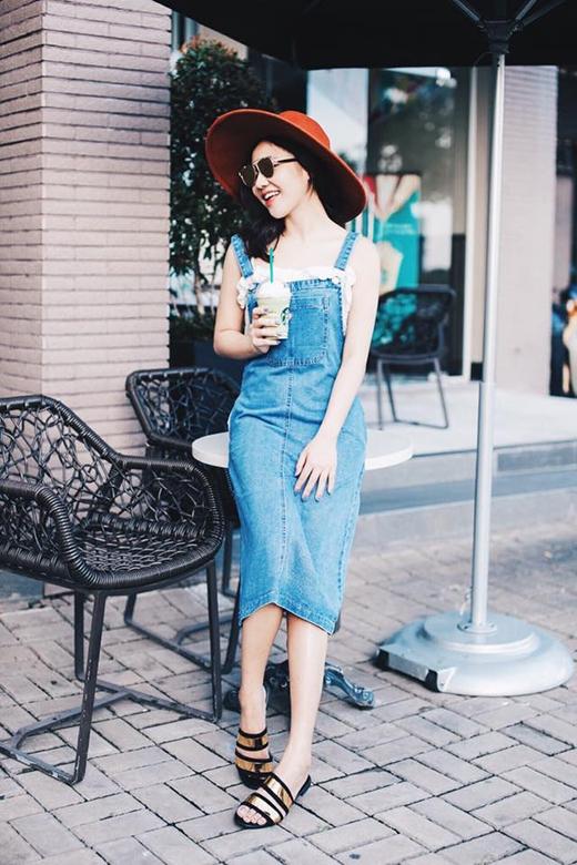 Những bộ trang phục jeans chất miễn chê của sao Việt