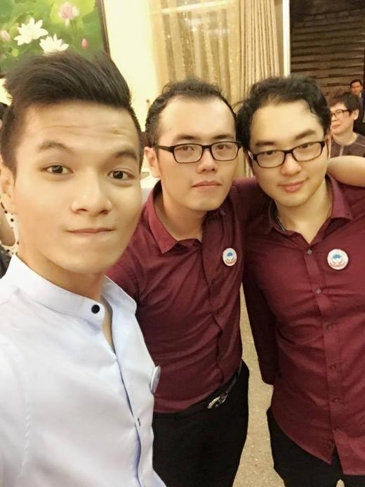 Hồng Quang, Vũ Thạch, Anh Tuấn thân thiết bên nhau.