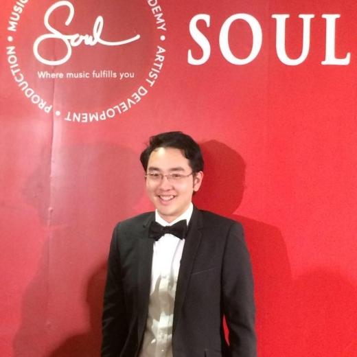 Anh Tuấn hiện đang công tác tại trường quốc tế âm nhạc do ca sĩ Thanh Bùi quản lí.