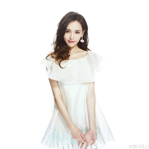 Từ béĐường Yên đã có khí chất của người nổi tiếng. Việc cô được Trương Nghệ Mưu lựa chọn biểu diễn đàn cũng là điều dễ hiểu.