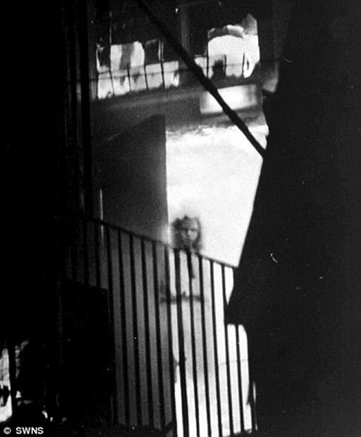 Bức ảnh ma Wem nổi tiếng được chụp bởi nhiếp ảnh gia nghiệp dư Tony O'Rahilly.