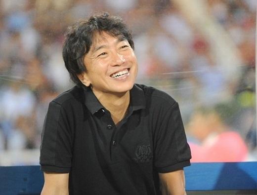 HLV Miura giải thích lí do chỉ cho Công Phượng đá 5 phút