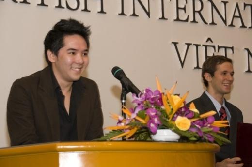 Anh Huy hiện tại đang sinh sống và làm việc ở Malaysia.