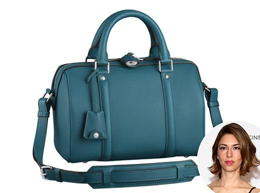 Quay về với khoảng thời gian Marc Jacobs còn gắn bó với Louis Vuitton, ông đã tạo nên chiếc túi trong sự kính trọng dành cho một người bạn tốt đồng thời cũng là nàng thơ trong sự nghiệp thiết kế của Marc - nhà làm phim Sofia Coppola.