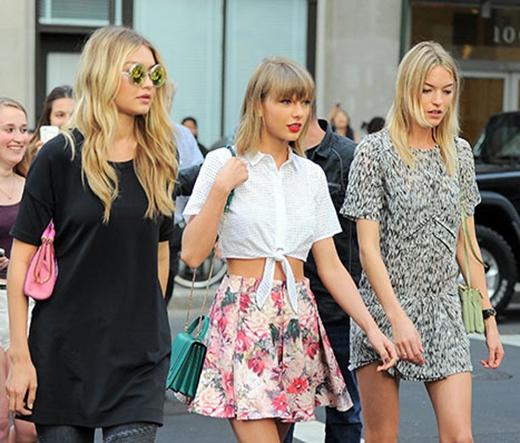 Taylor cùng hai cô bạn thân Gigi và Martha.