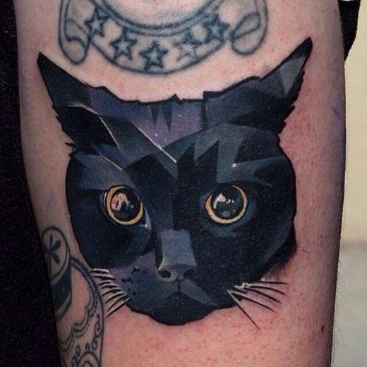 Hình xăm mèo theo phong cách pop art.