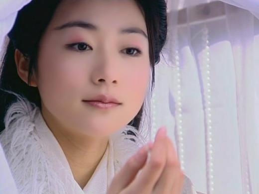 Dù sự nghiệp không còn được như ngày xưa nhưng Hàn Tuyết vẫn nhận được tình cảm của khán giả nhờ vai diễn Hương Tuyết Hải tốt bụng, trọng tình trọng nghĩa trong Thiên Ngoại Phi Tiên năm 2006.