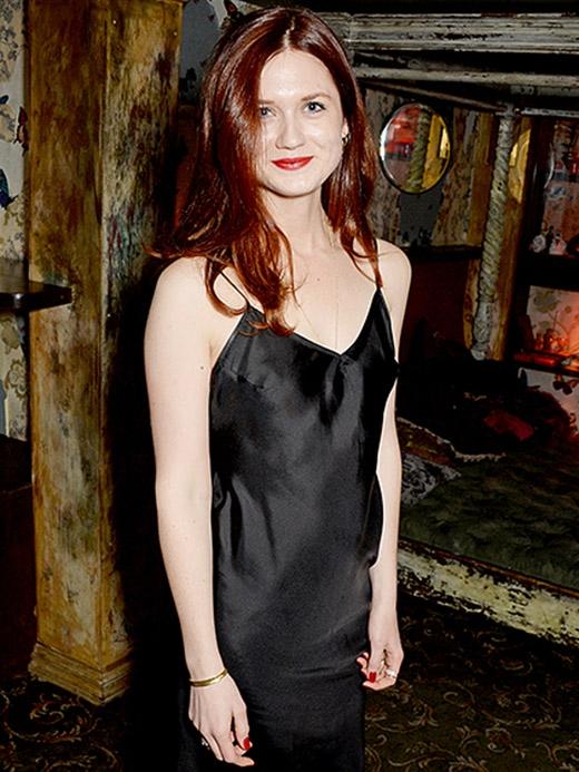Sau khi thủ vai em gái của Ron (và cũng là người yêu sau này của Harry), cô nàng tóc đỏ này đã trở thành một phụ nữ xinh đẹp cuốn hút trước khi bạn kịp nhận ra.