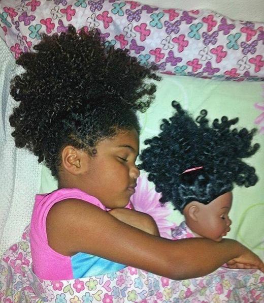 Làn da và bộ tóc xù đặc trưng đã tạo nên điều kì diệu!