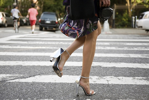 Những nguyên tắc vàng giúp phái đẹp tự tin sải bước trên giày cao gót