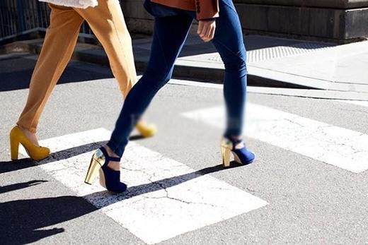 Không nên di chuyển quá nhanh, sải bước quá dài hay vung chân quá cao.