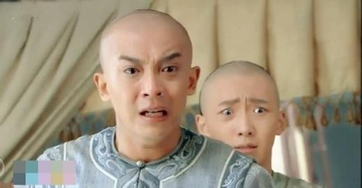 Hai nhân vật trong Hoàn Châu Cách Cách phần mới có biểu cảm đôi mắt khá khác biệt.
