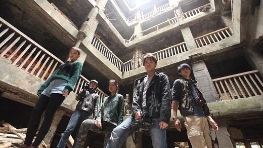 Một cảnh trong phim Hashima Projectvới bối cảnh là những công trình bị bỏ hoang trên đảo.