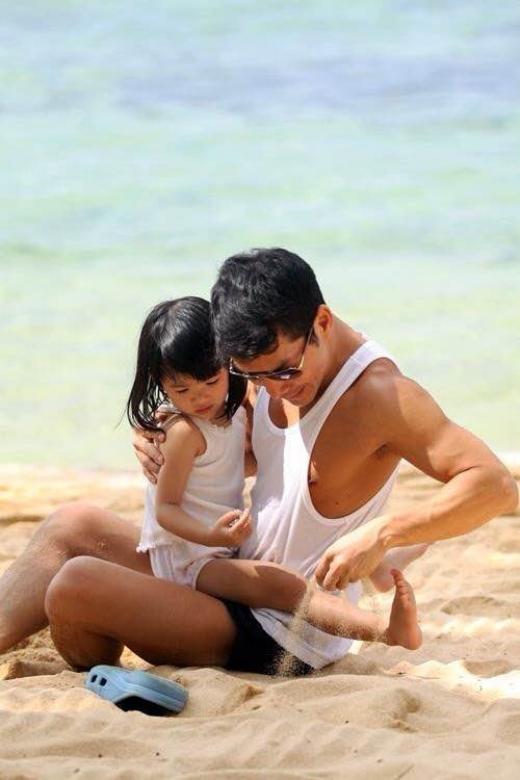Anh thường xuyên đưa con gái đi du lịch những lúc rảnh rỗi. - Tin sao Viet - Tin tuc sao Viet - Scandal sao Viet - Tin tuc cua Sao - Tin cua Sao