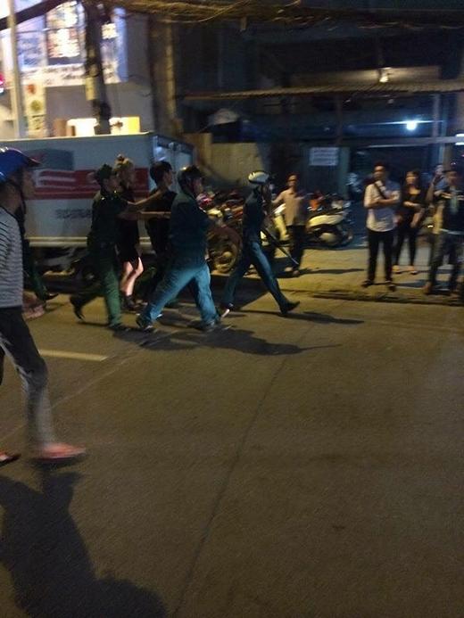 Lực lượng chức năng đã có mặt nhanh chóng để giải tán đám đông.