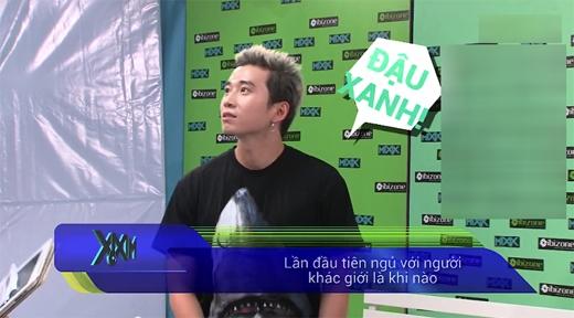 Câu hỏi khó đỡ của DJ Trang Moon khiến Karik tỏ ra bất ngờ.