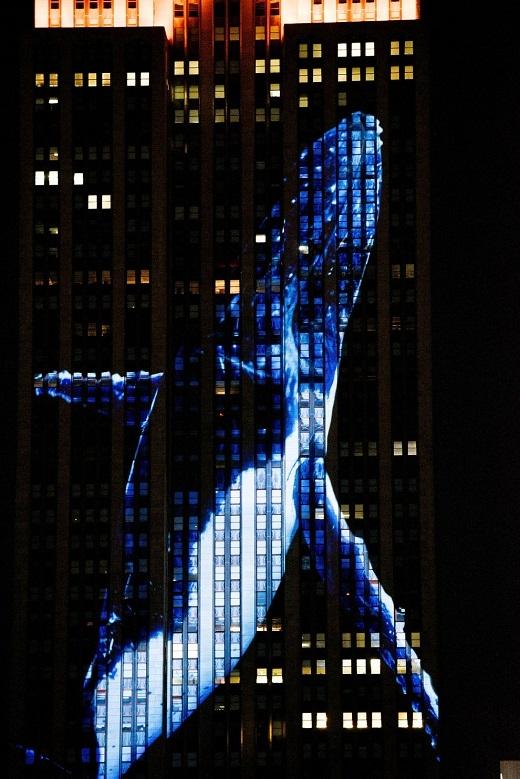 Đây là lần đầu tiên tòa nhà Empire State diễn ra hoạt động trình chiếu như thế này.