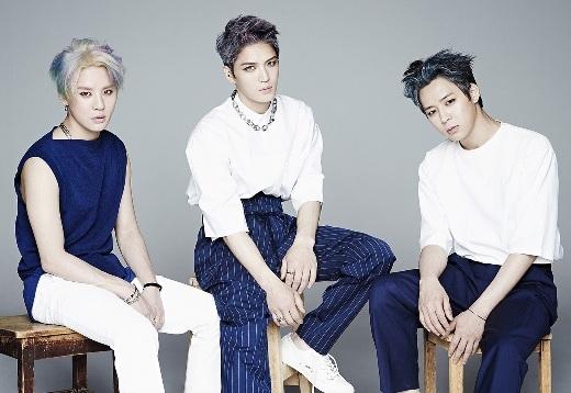 Ngưỡng mộ những nhóm nhạc nam tài năng miễn bàn của Kpop