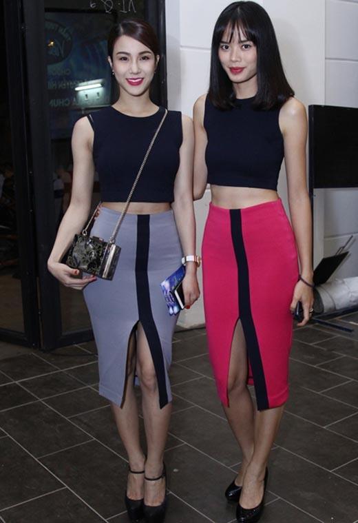 Diệp Lâm Anh và Thu Hiền cùng khoe khéo vòng eo thon gọn trong hai bộ trang phục giống hệt nhau kết hợp giữa chân váy bút chì xẻ tà cùng áo crop top ôm sát. Tuy nhiên, thiết kế này dường như không mấy phù hợp khi mang lên thảm đỏ chung kết Vietnam Idol 2015.