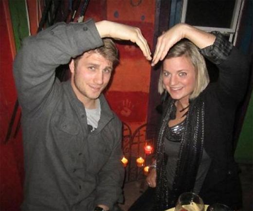Taylor vàDanielle có cuộc sống rất hạnh phúc, nồng ấm và lãng mạn giống như bao cặp đôi khác cho đến khi ngày định mệnh ấy xảy ra…