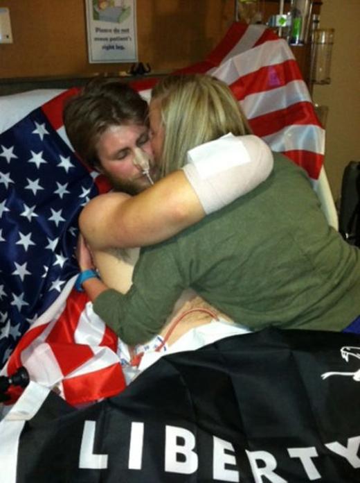 Sau nhiều tháng liền chiến đấu với bệnh tật, Taylor cũng đã dần hồi phục trong niềm vui vỡ òa của Danielle.