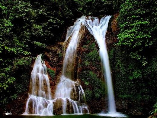 Cách Hà Nội chỉ 60km, Cửu thác Tú Sơnrì rầm như lời chào mừng ngọt ngào của dòng thác tìnhÂu Cơ