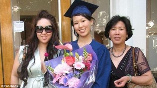 Elisa trong buổi lễ tốt nghiệp.