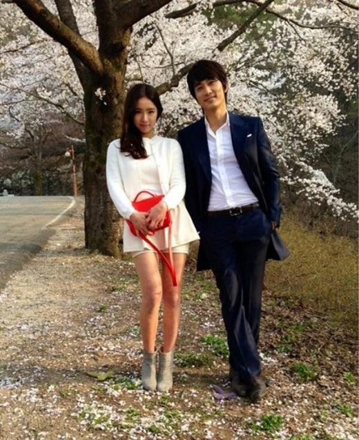 Trước Lưu Diệc Phi, Song Seung Hun từng yêu người tình xinh đẹp nào?