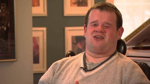 Thán phục tài năng âm nhạc của chàng trai khuyết tật