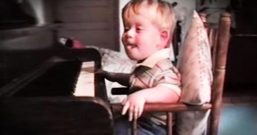 Patrick đã sớm bộc lộ tài năng âm nhạc của mình từ khi còn nhỏ.