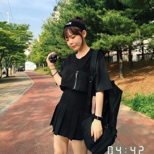 Từ năm 2009, các bạn trẻ trong giới ulzzangHàn Quốcđã không còn xa lạ với cái tênHong Young Gi.