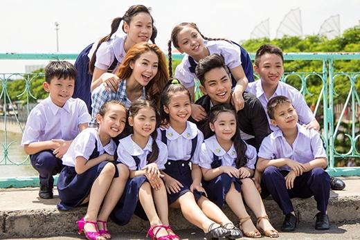 Minh Hằng - Phan Hiển cùng các học trò tươi cười hết cỡ. - Tin sao Viet - Tin tuc sao Viet - Scandal sao Viet - Tin tuc cua Sao - Tin cua Sao