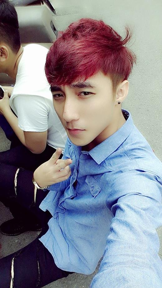 """Những màu tóc nhuộm """"không thể nổi hơn"""" của Sơn Tùng MTP"""