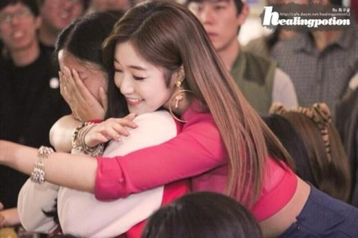 Tan chảy với hình ảnh thân thiện của loạt thần tượng nữ Kpop
