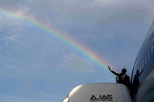 Khi Tổng thống Obama tung chưởng.